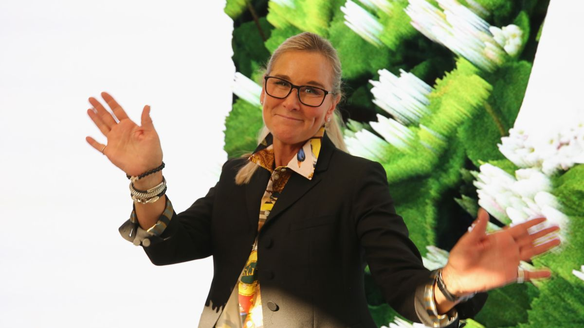 Angela Dip Fotos apple's head of retail angela ahrendts is leaving after 5