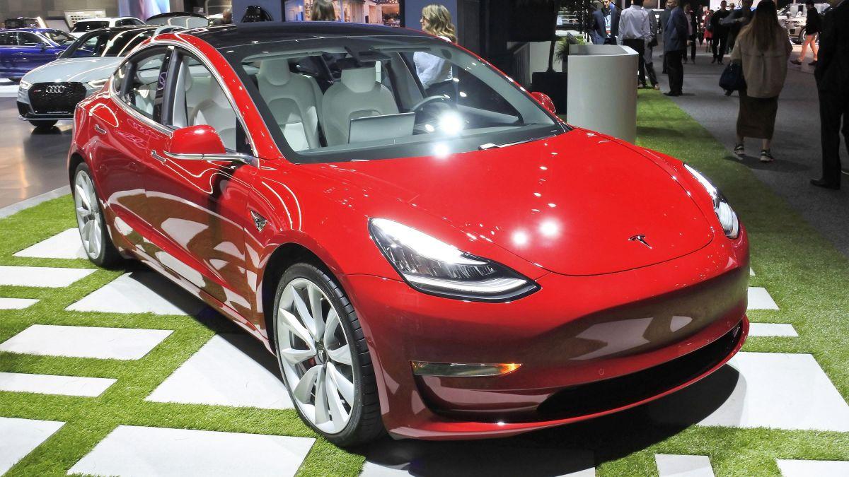 5 Takeaways From Teslas Model 3 Announcement Cnn