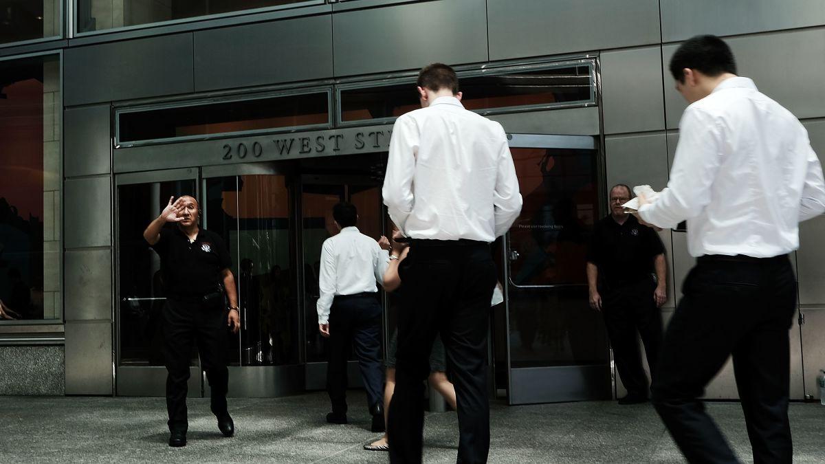 Goldman Sachs is loosening its dress code - CNN