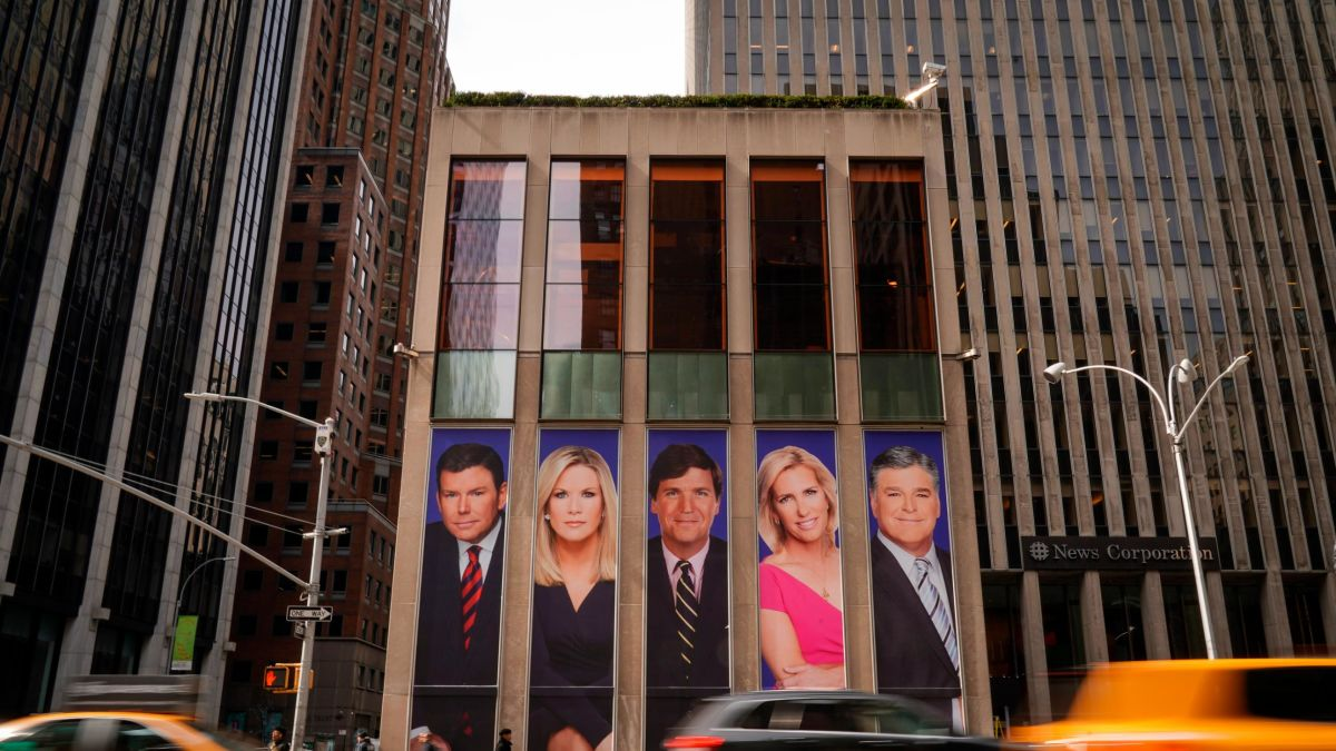 Trump's relationship with Fox News is unprecedented. Sunday's tweets prove it