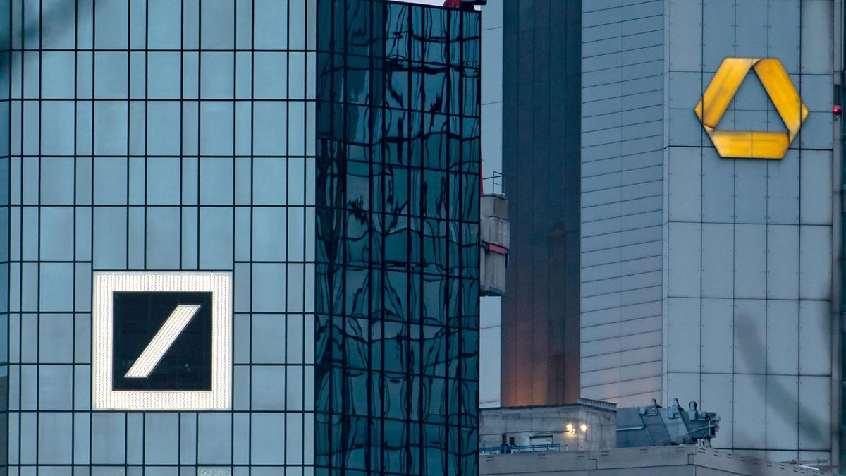 Resultat d'imatges de 30,000 job cuts and muddled strategy could doom Germany's big bank merger