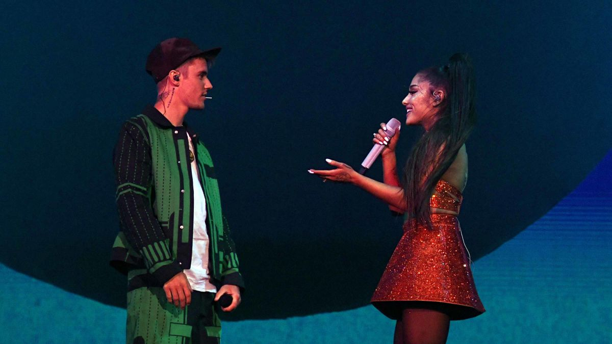 Ariana Grande Closes Out Coachella With Surprise Justin Bieber Duet Cnn