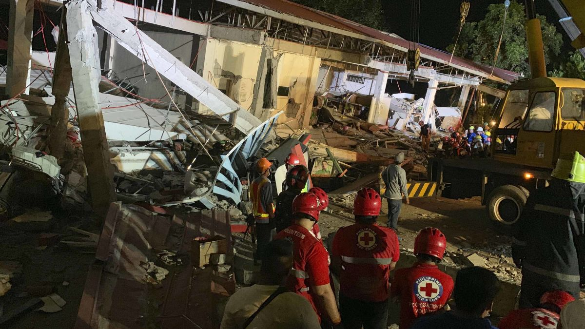 6 1-magnitude earthquake in the Philippines leaves 11 dead