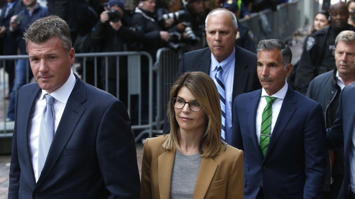 Prosecutors request Lori Loughlin get 2 months in prison and ...