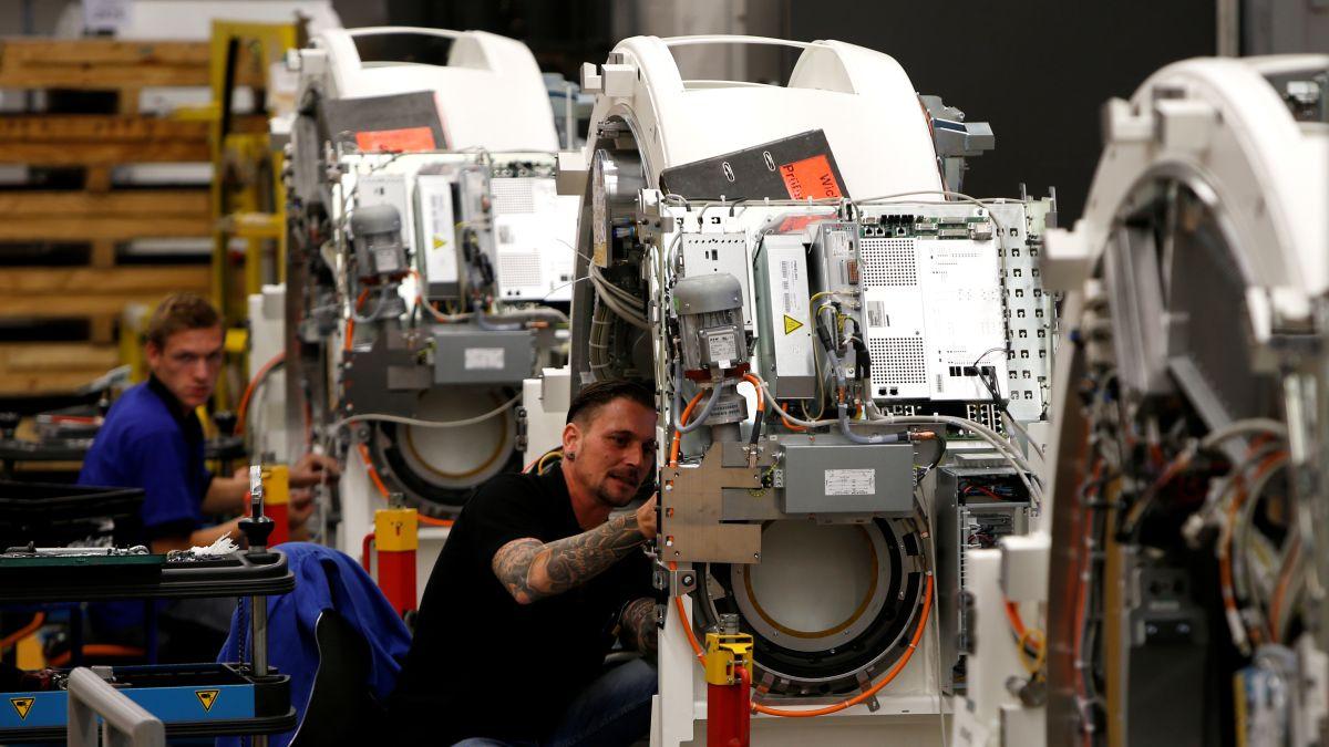 Siemens will add 10,000 jobs as it refocuses on future technologies