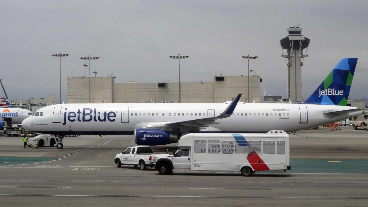 a6e5c3b9 JetBlue: Software outage caused delays for some passengers - CNN