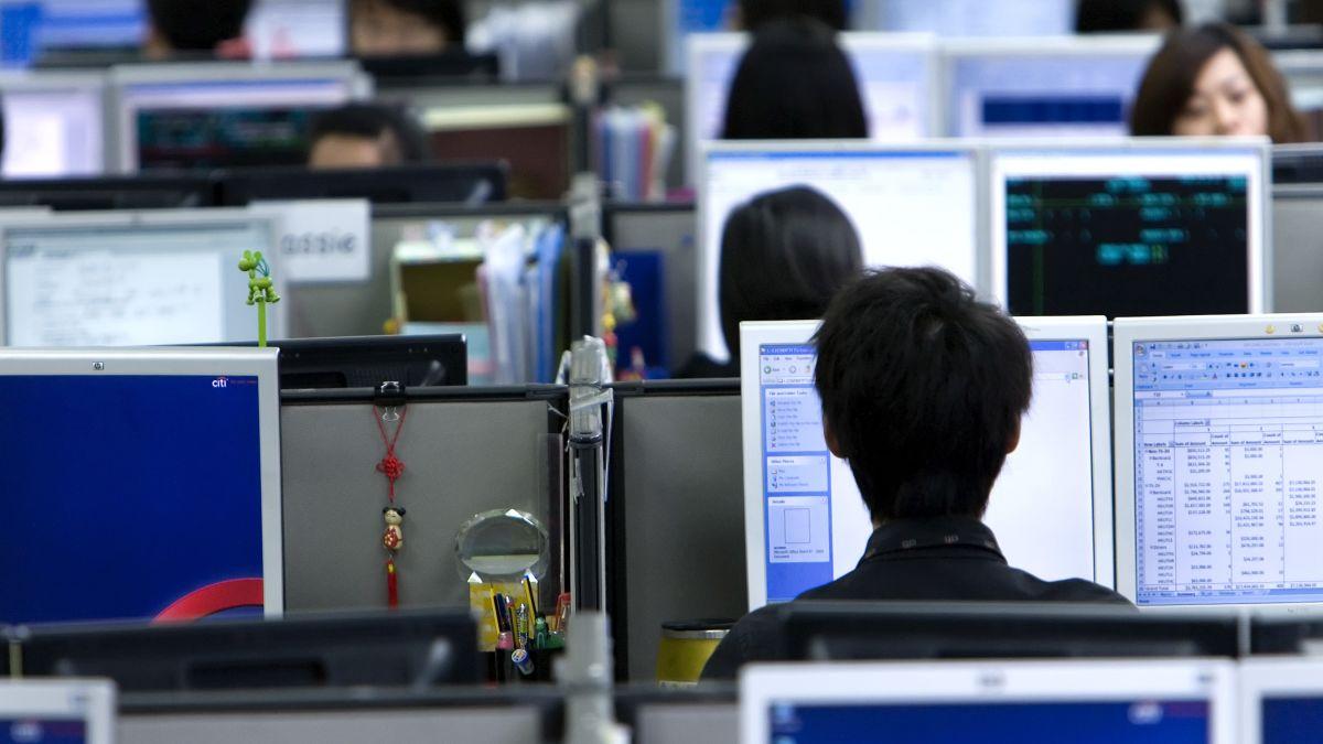https://dynaimage.cdn.cnn.com/cnn/c_fill,g_auto,w_1200,h_675,ar_16:9/https%3A%2F%2Fcdn.cnn.com%2Fcnnnext%2Fdam%2Fassets%2F190522120926-01-china-996-tech-worker-intl.jpg
