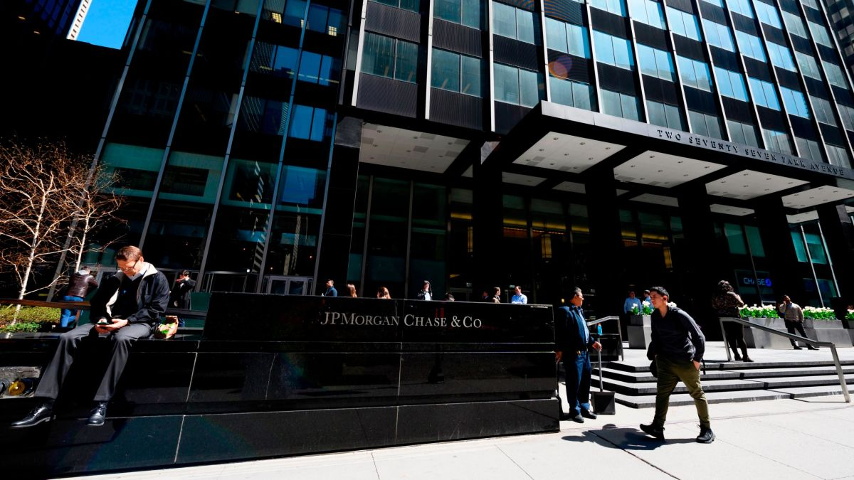 JPMorgan Chase settles parental leave case related to its policy for
