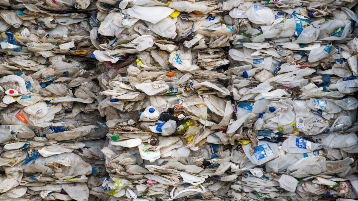 Malaysia to return plastic waste to countries that shipped