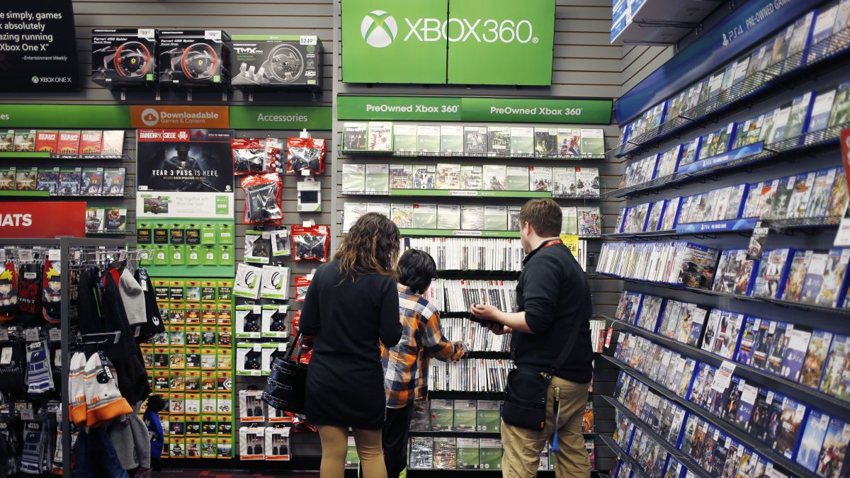 Gamestop Sales Are Being Killed By The Videogame Slump Cnn