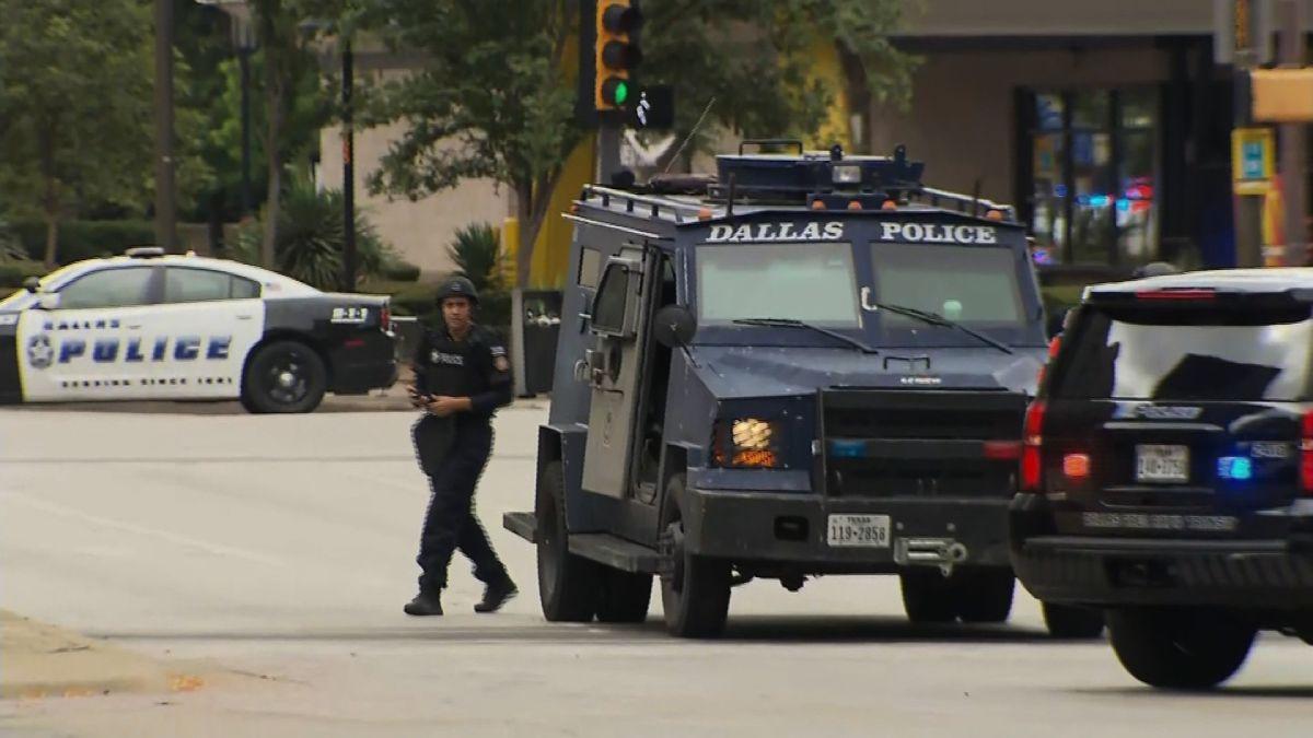 06 >> Dallas Shooting Fbi Looking Into Suspected Dallas Gunman S Military