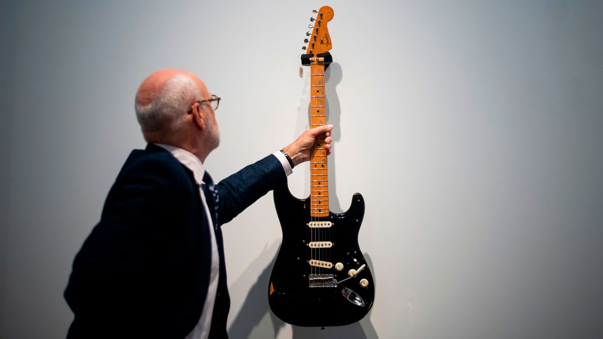 David Gilmour auctioned his guitars and raised $21M for a