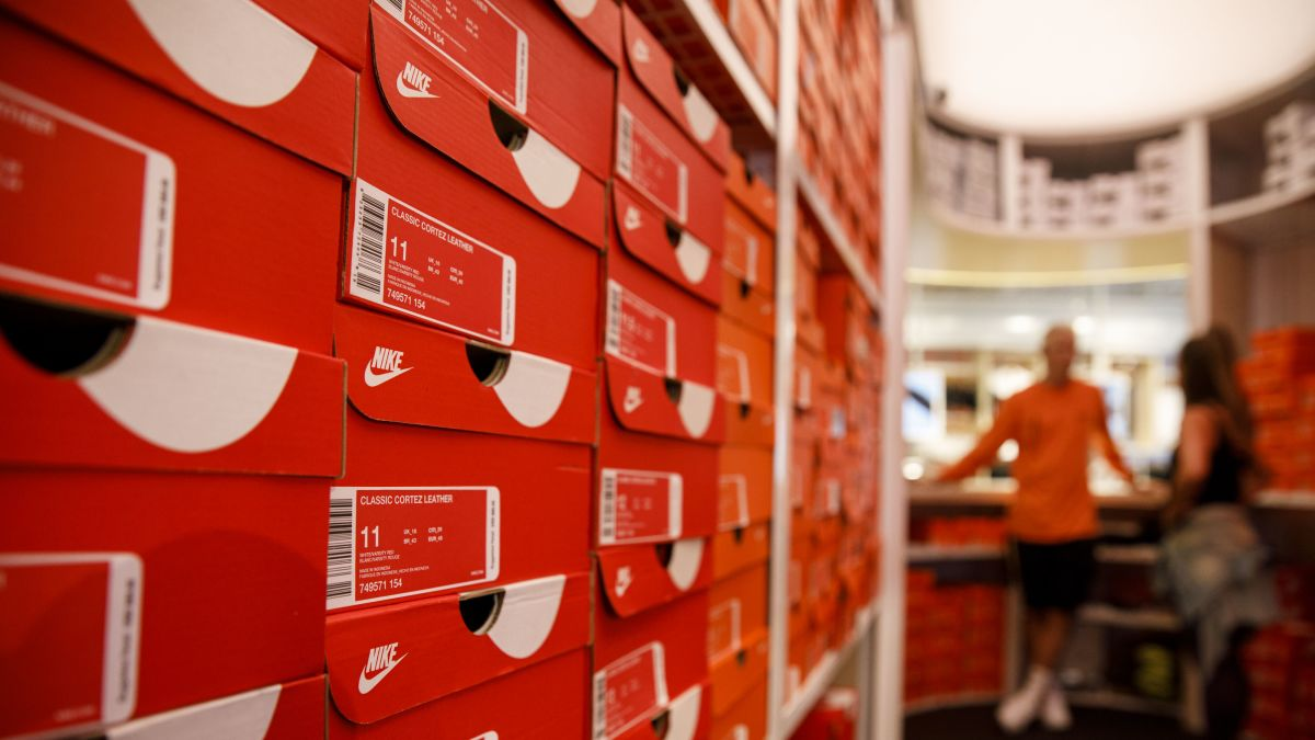 e026e73c5b5 Arizona governor ordered Nike's incentives withdrawn after it pulled ...