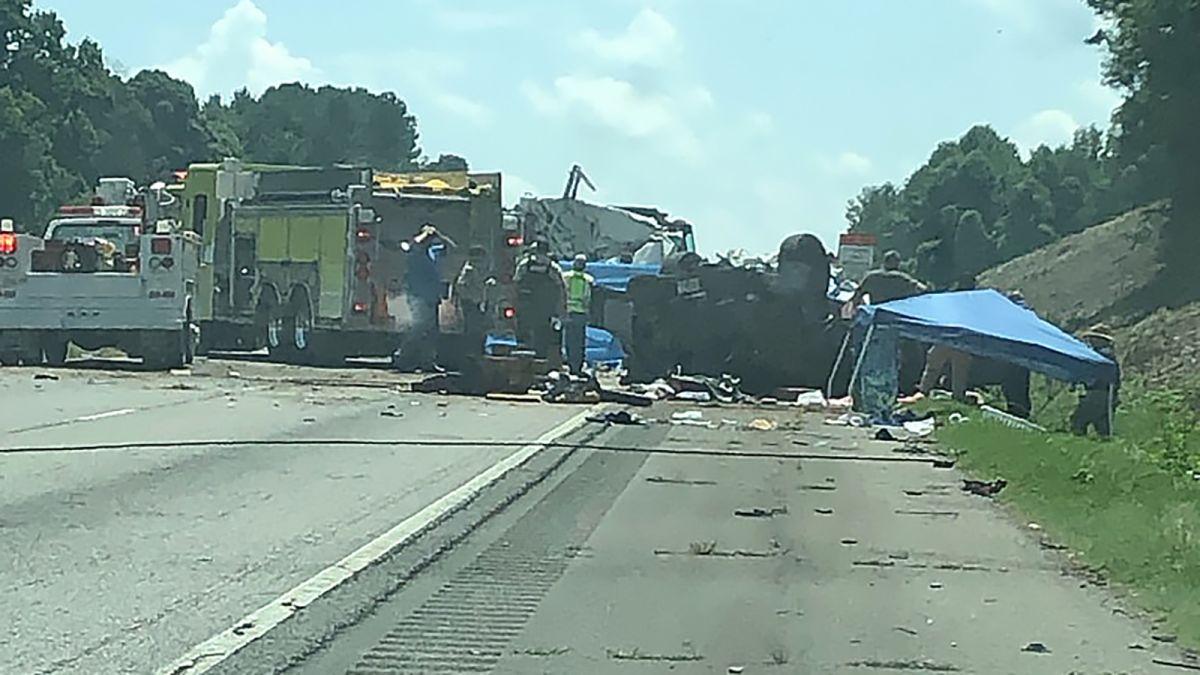 Wrong-way car crash on Georgia highway leaves 7 dead - CNN