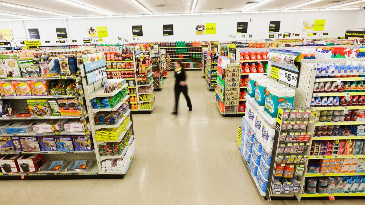 Dollar General moves into home decor and party supplies