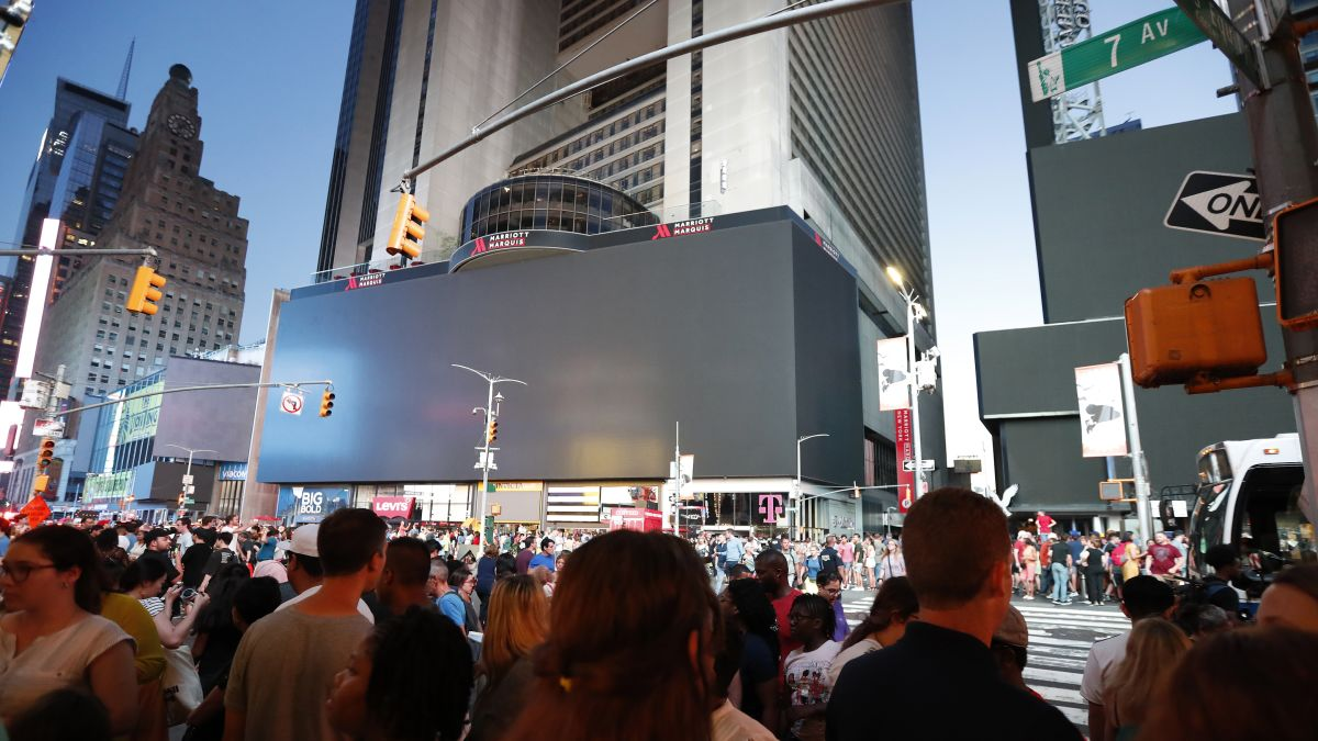 New York power outage: How the city that never sleeps kept