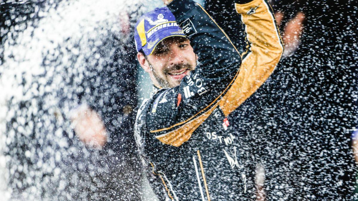 ผลการค้นหารูปภาพสำหรับ Jean-Eric Vergne crowned back-to-back Formula E world champion