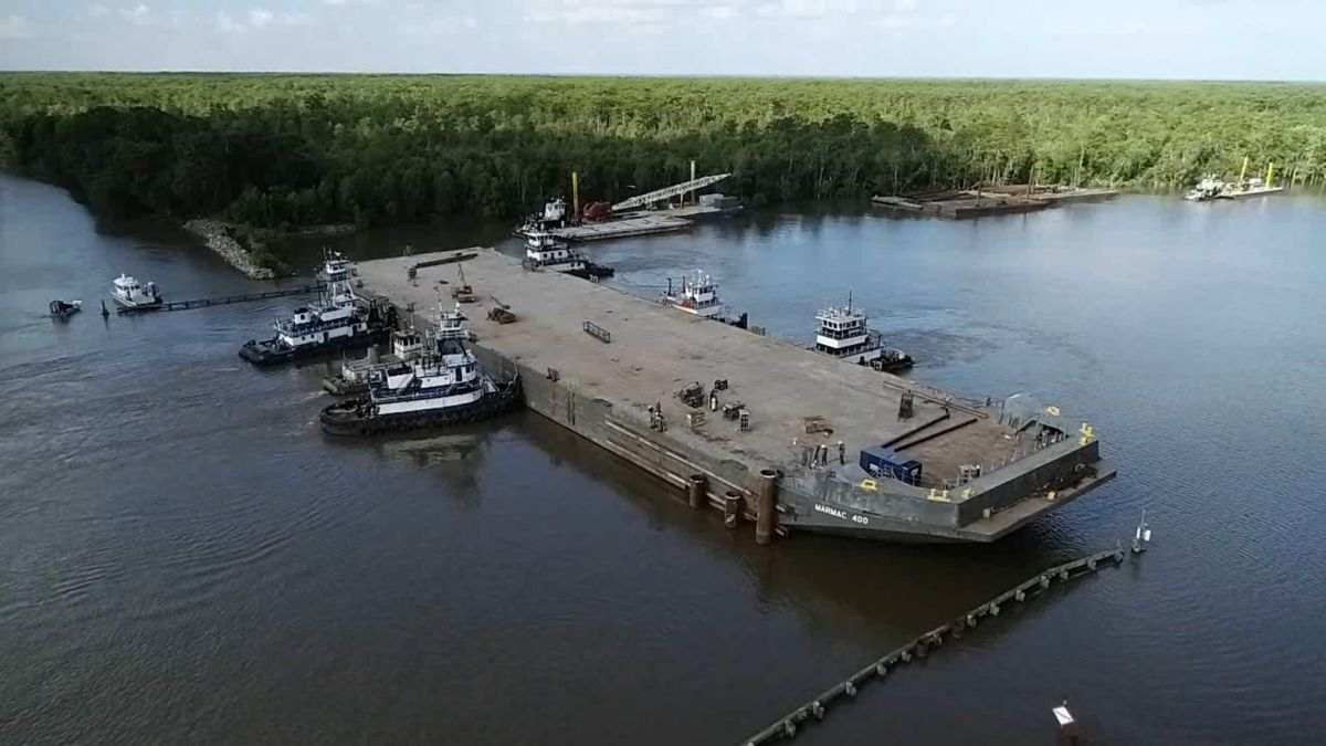 A sunken barge might have saved these Louisiana towns from