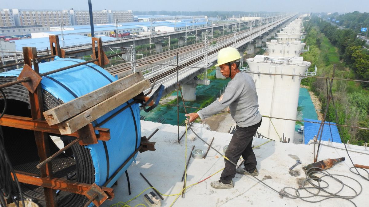 China GDP growth slumps to lowest in 27 years as the trade