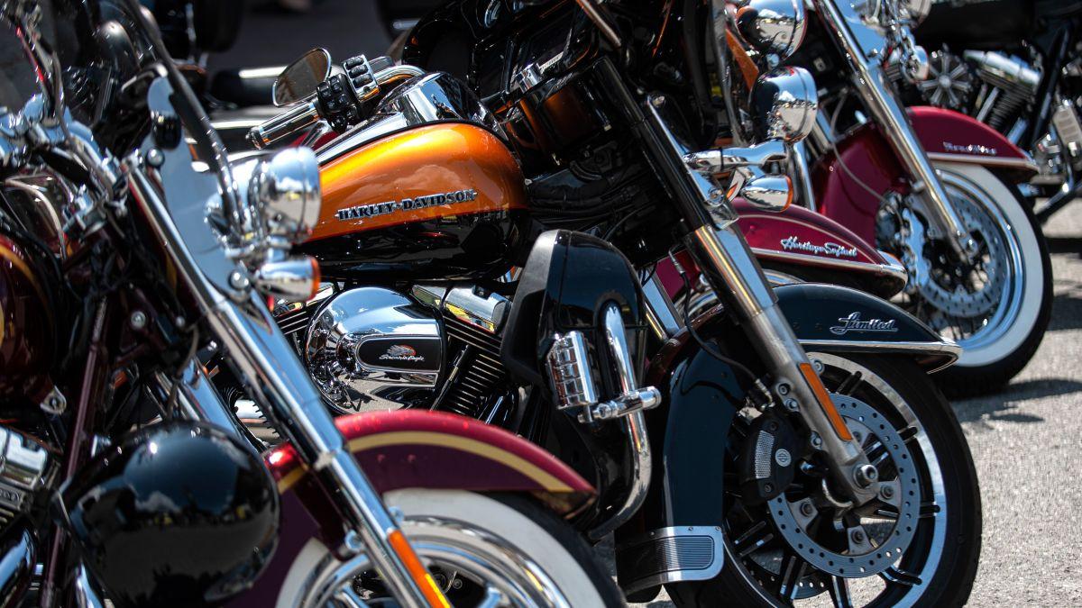 Harley-Davidson warns that motorcycle sales are slowing - CNN