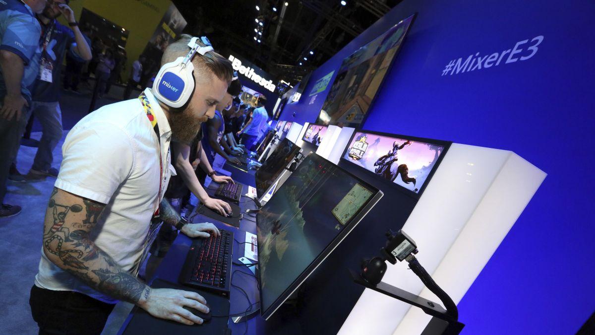 Twitch Vs Mixer The New Streaming War Cnn