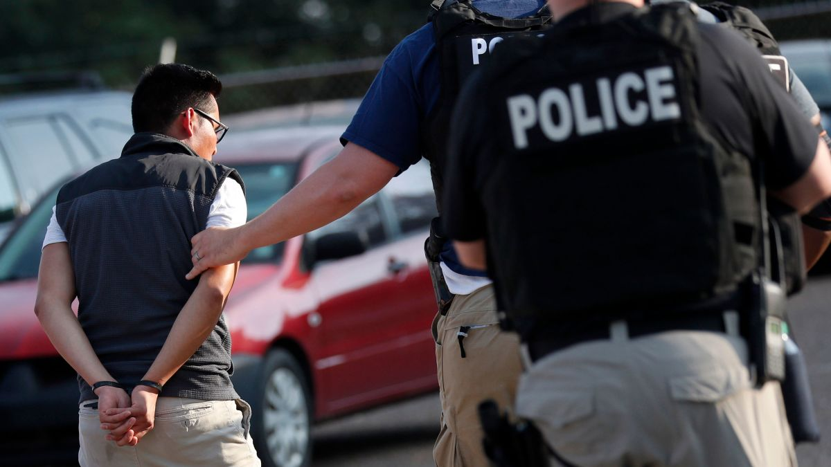6d803002 Mississippi ICE raids: Some children still don't have at least 1 ...
