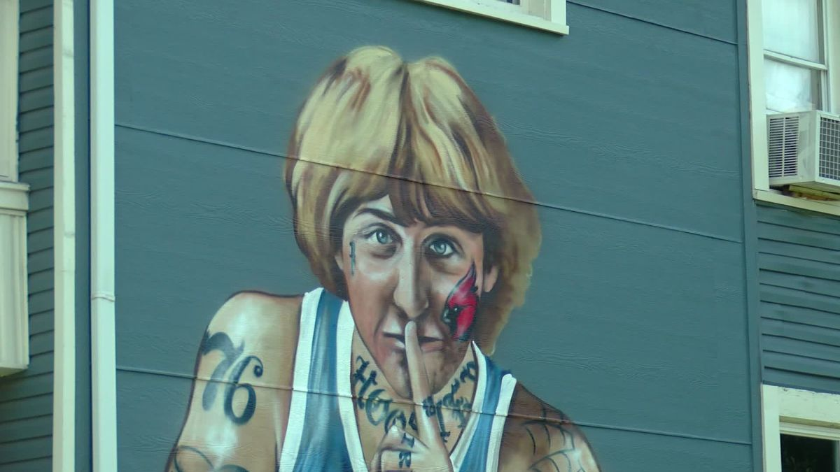 NBA great Larry Bird complains after an artist paints a mural of him with tattoos all over his body
