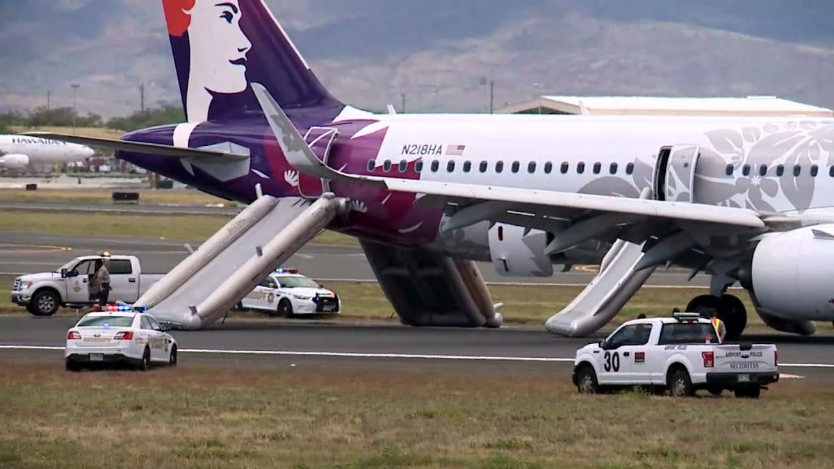 Seven Hawaiian Airlines passengers taken to hospital after smoke in the  cabin forces plane evacuation - CNN
