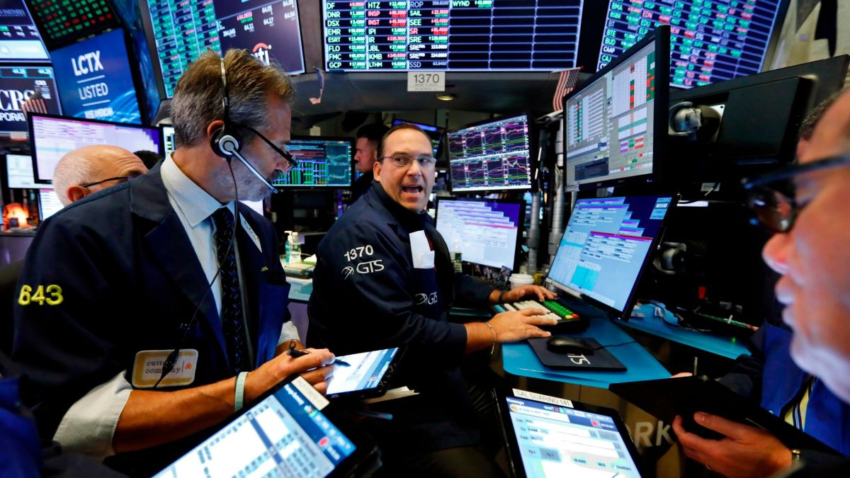 Dow closes sharply down after Trump-fueled selloff - CNN