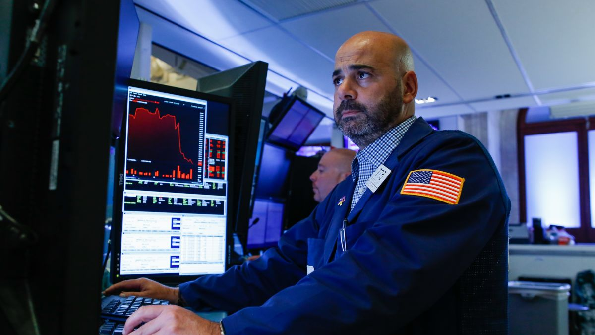 Dow, S&P 500 snap three-day win streak - CNN