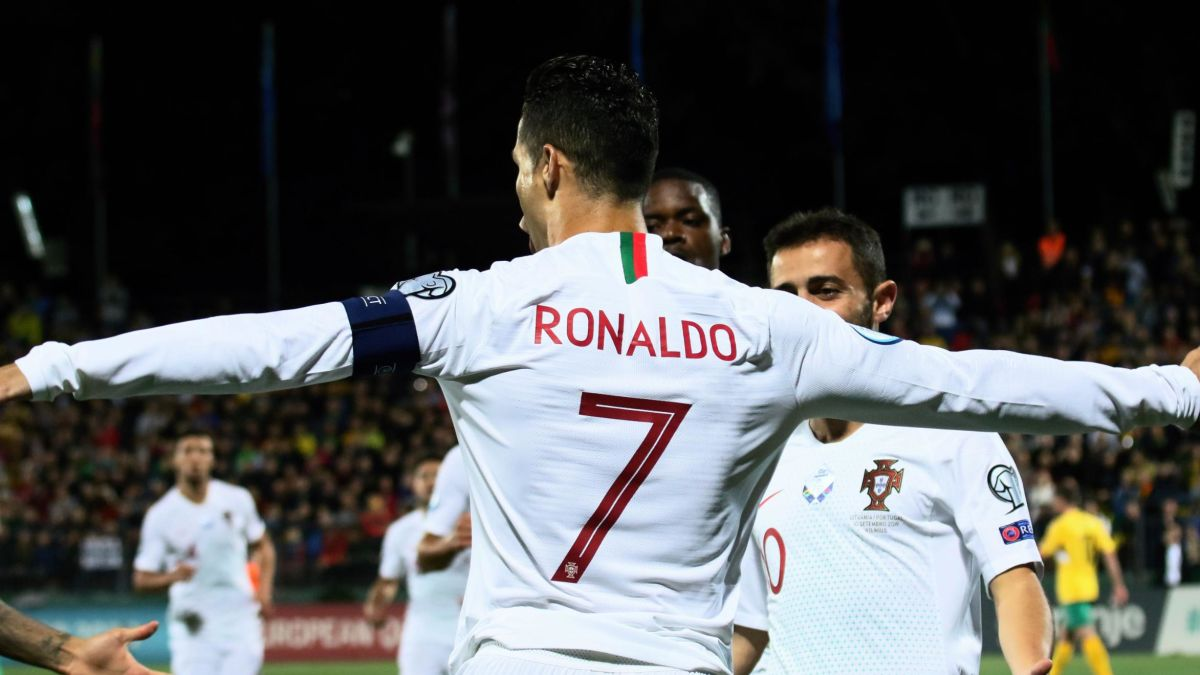 Cristiano Ronaldo Hits Four For Portugal And Nears All Time Goals Record Cnn