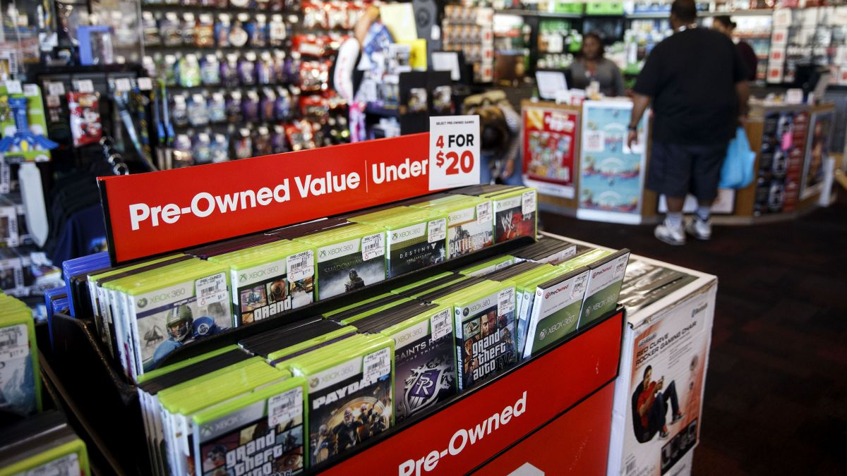 Gamestop Going Out Of Business 2020.Gamestop Ceo Says Company Is In A Tough Place And Needs To