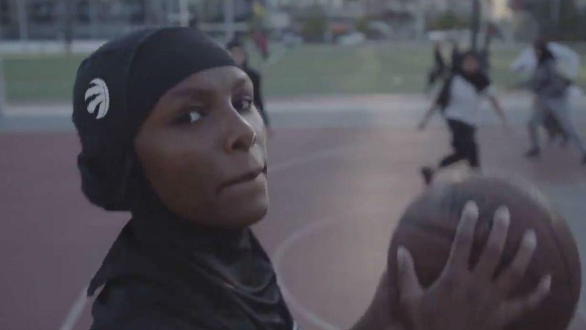 Картинки по запросу toronto raptors hijab