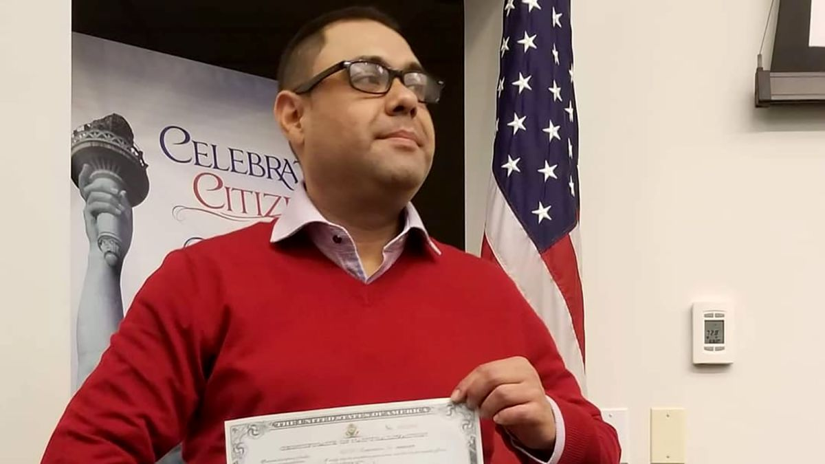 Deported veteran Miguel Perez becomes US citizen - CNN