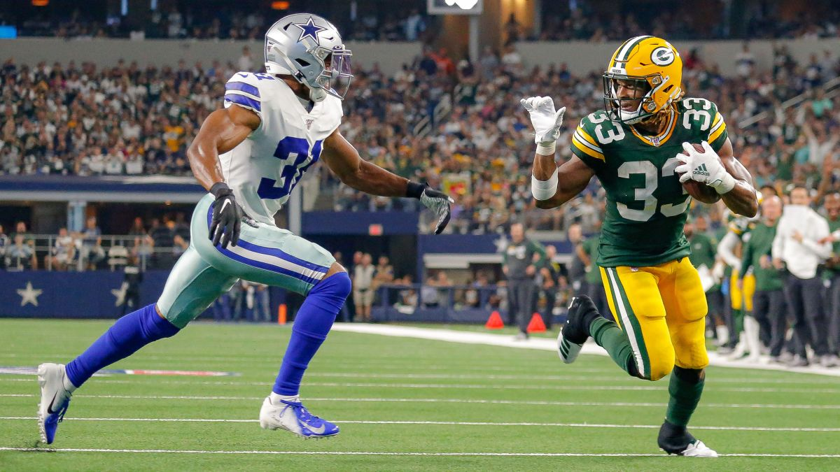 Aaron Jones Fined More Than 10k For Taunting Cowboys Byron Jones With A Wave Goodbye