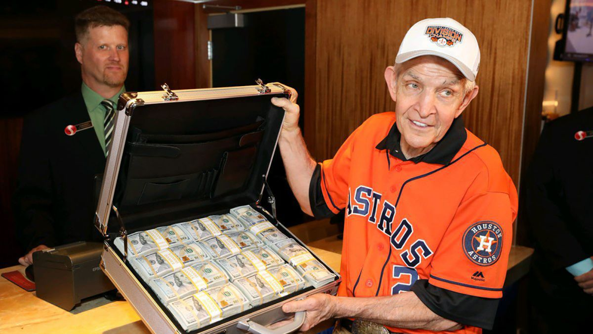 Houston S Mattress Mack Lost 13 Million In Bets After Astros