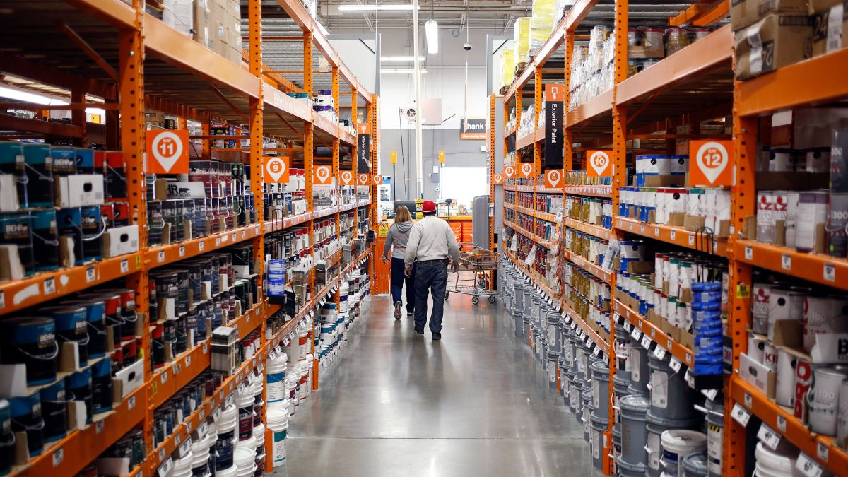 Home Depot Isn T Selling As Well As It Hoped Cnn