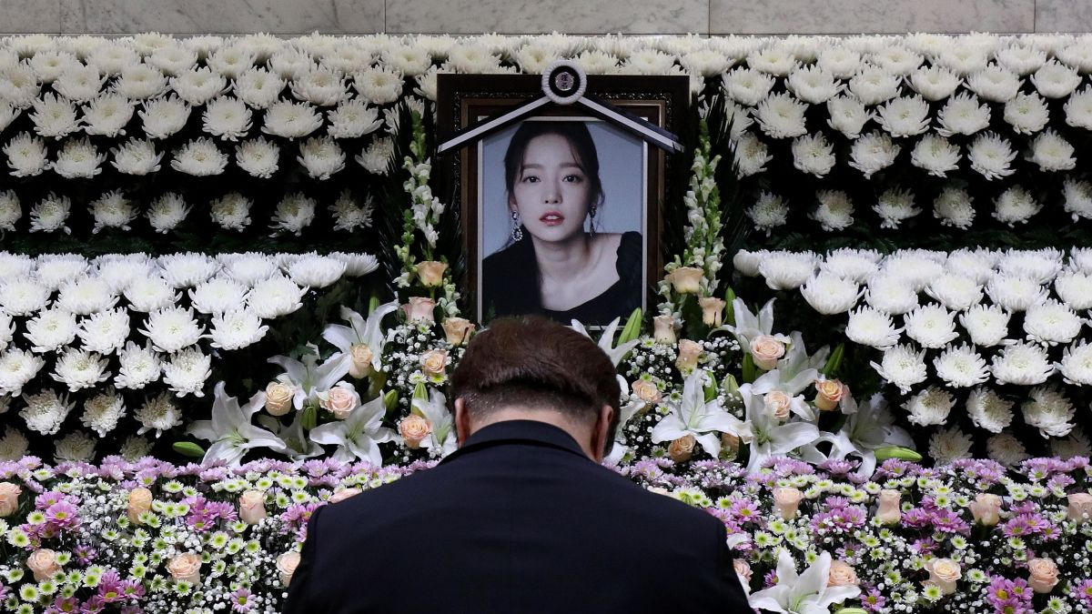Goo Hara Another K pop death exposes pressures of an industry ...
