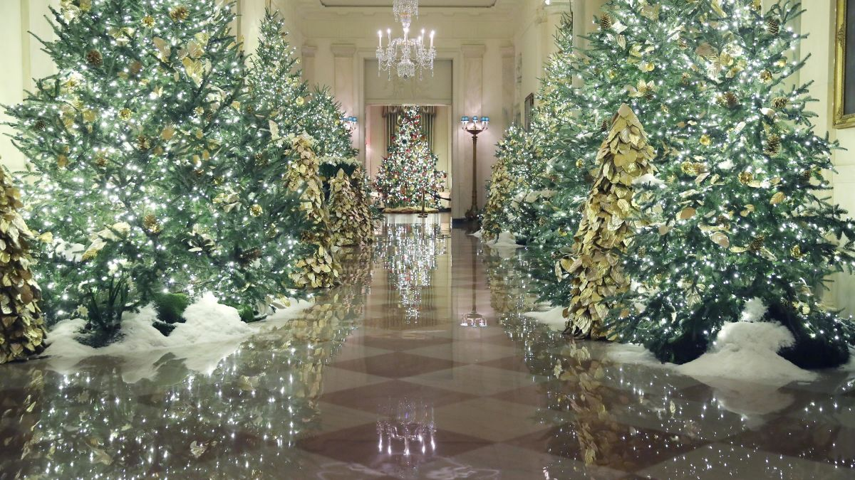 White House Christmas Decorations 2020 Pictures Melania Trump highlights 'Spirit of America' for holiday