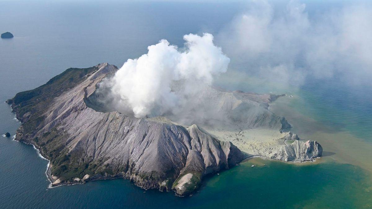 Планета за неделю, в Йеллоустоне толчков нет, вулканы убивают туристов...