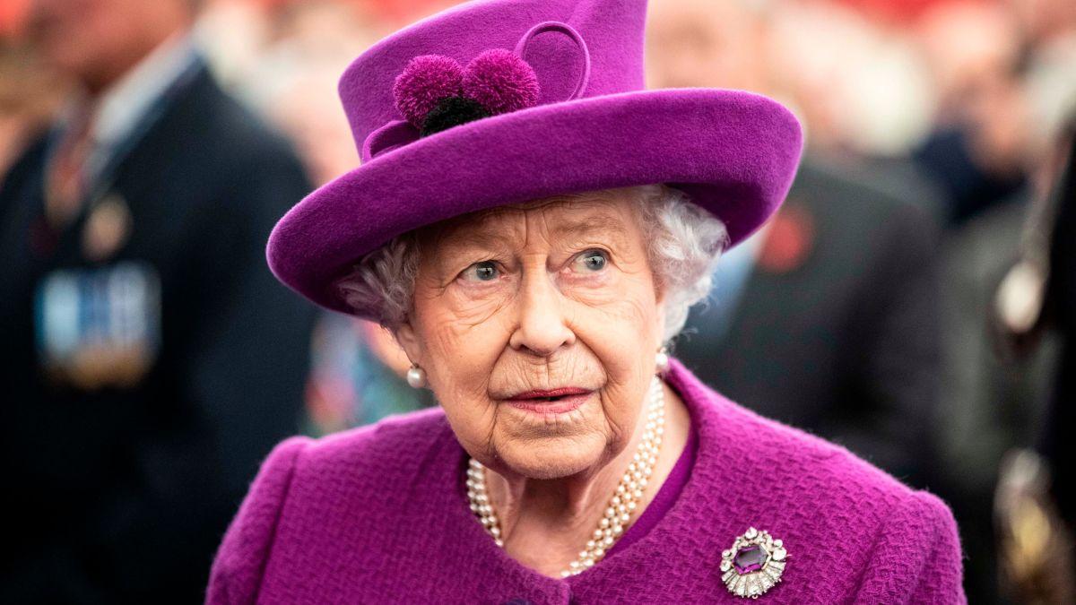 queen elizabeth ile ilgili görsel sonucu