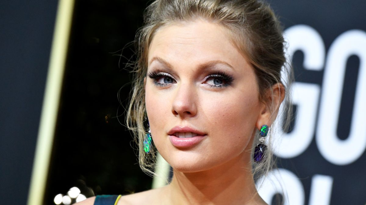 Taylor Swift Slams Former Record Label For Releasing New Album Cnn