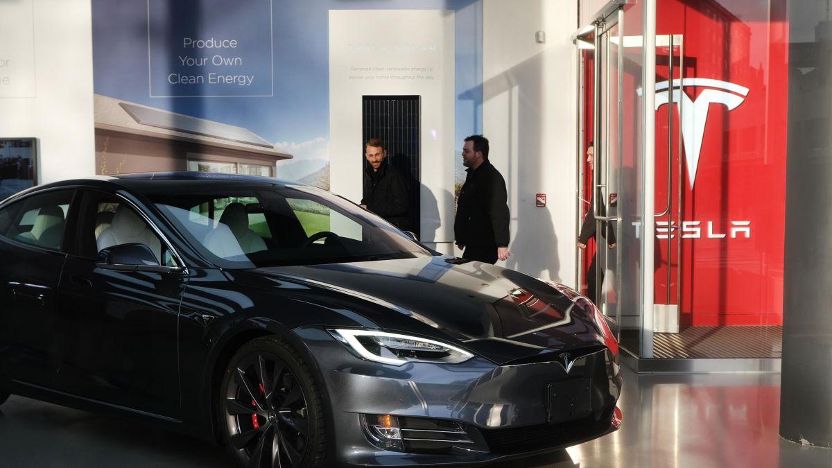 Tesla premarket