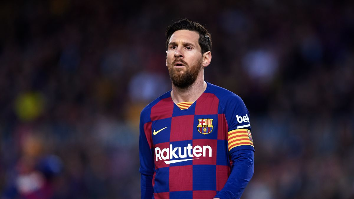 Lionel Messi And Barcelona Team To Take 70 Pay Reduction During Pandemic Cnn
