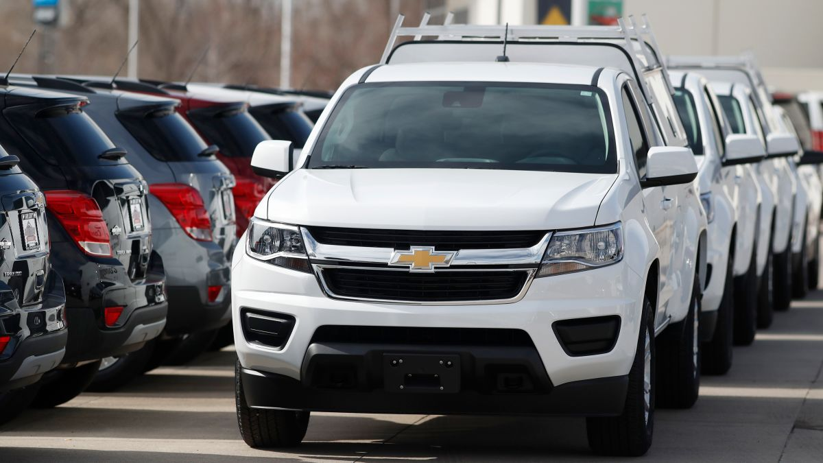 Automakers Are Offering Extreme Deals Car Buyers Should Proceed