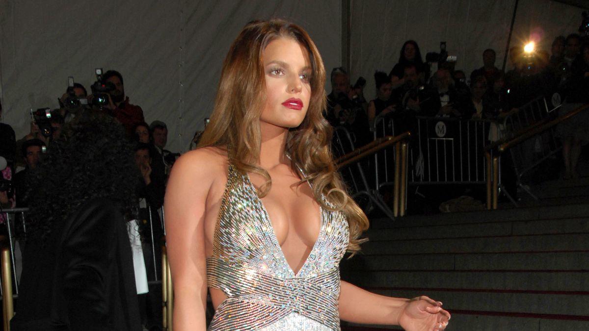 Jessica Simpson Says She Felt Body Shamed By Vogue Cnn