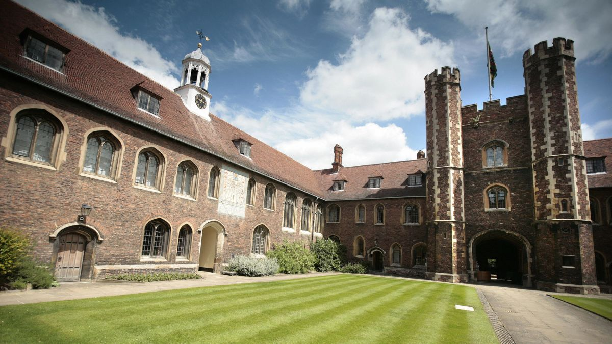 Cambridge University to scrap face-to-face lectures for entire ...
