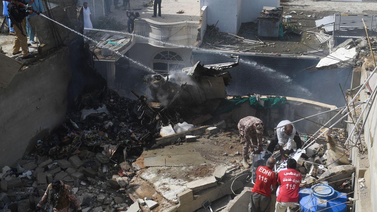 Dozens Killed As Pakistani Airliner Crashes In Karachi Cnn