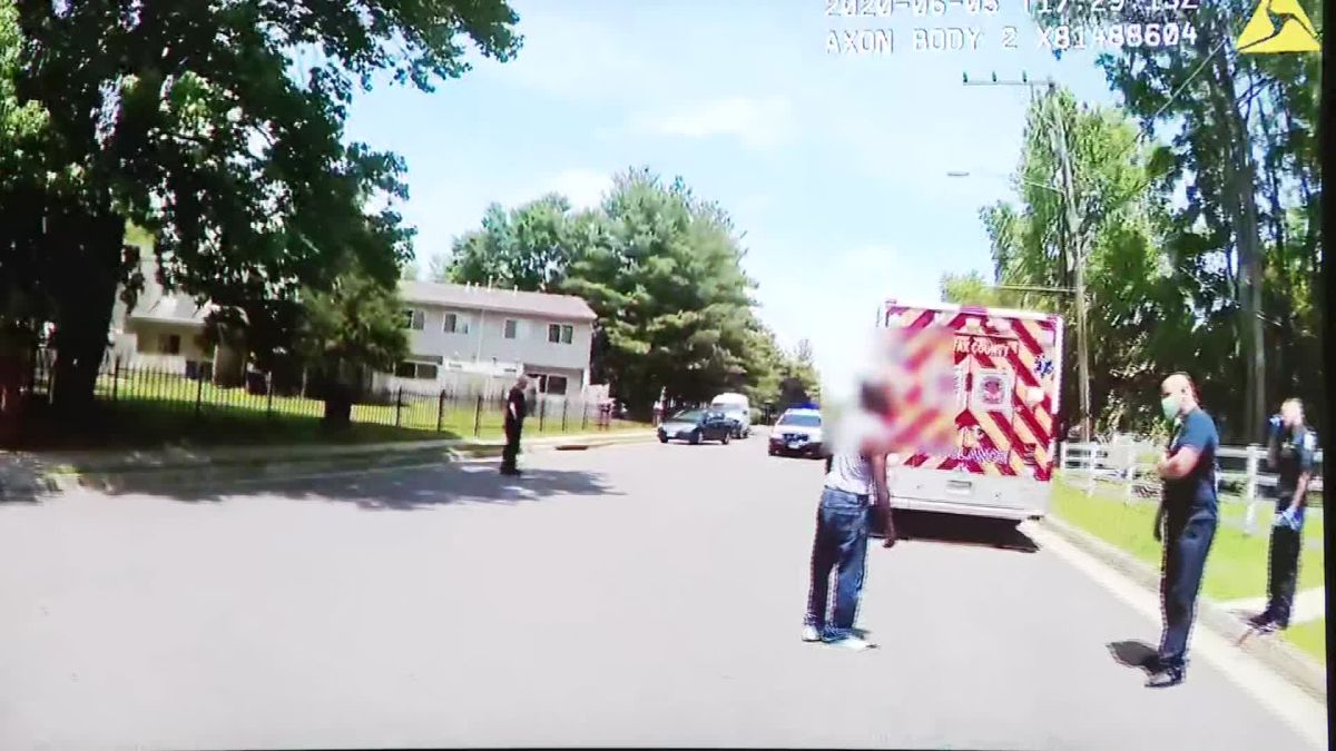 A Virginia police officer faces charges after using a stun gun on ...
