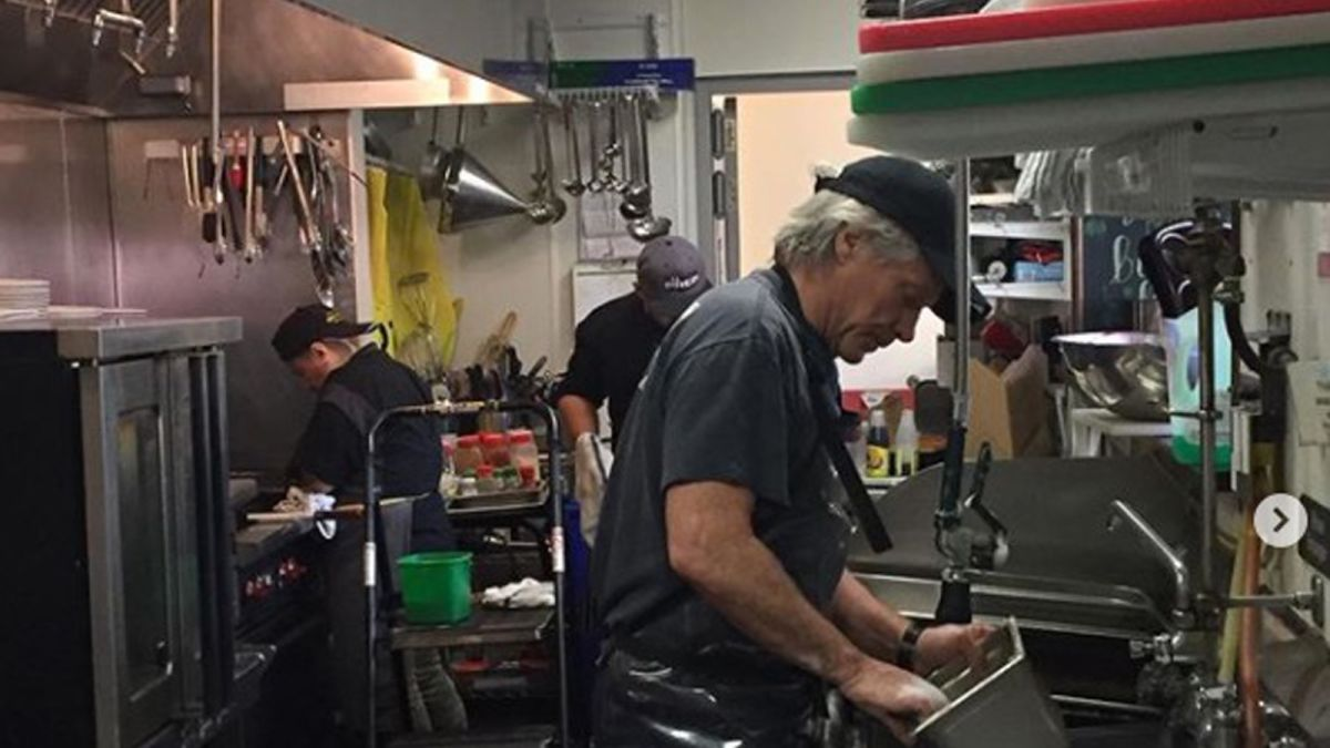 From Rock Superstar To All Star Dishwasher Jon Bon Jovi Is Keeping His Community Fed Cnn